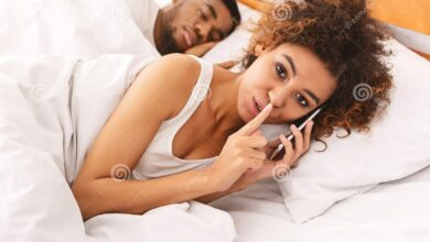 Photo of Aunty Help: Should I Tell  My Friends Husband She is Cheating On Him